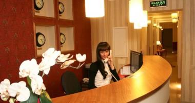 Как отвечать по телефону в гостинице