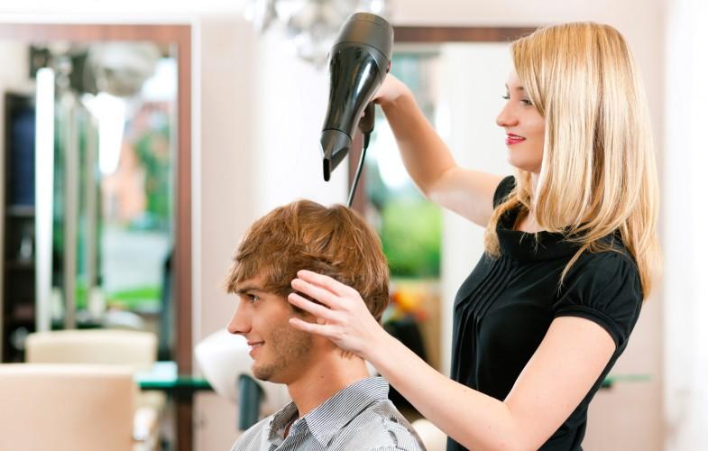 Общение парикмахера с клиентом