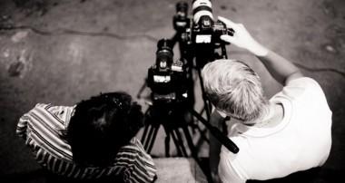 Как вести себя перед камерой